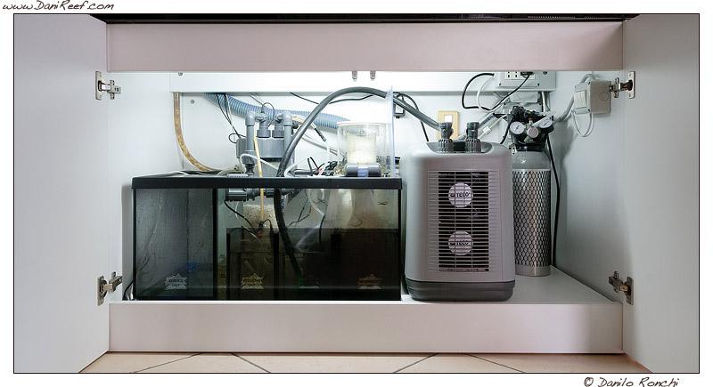 Sump con refrigeratore acquario marino